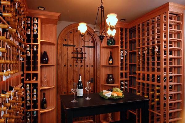 bortárolás-okosan-bortároló-helyiség